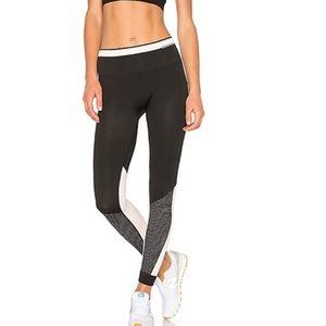 ALALA Ace Seamless Black White Colorblock Leggings
